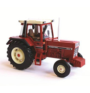 International 956XL 2WD Tractor